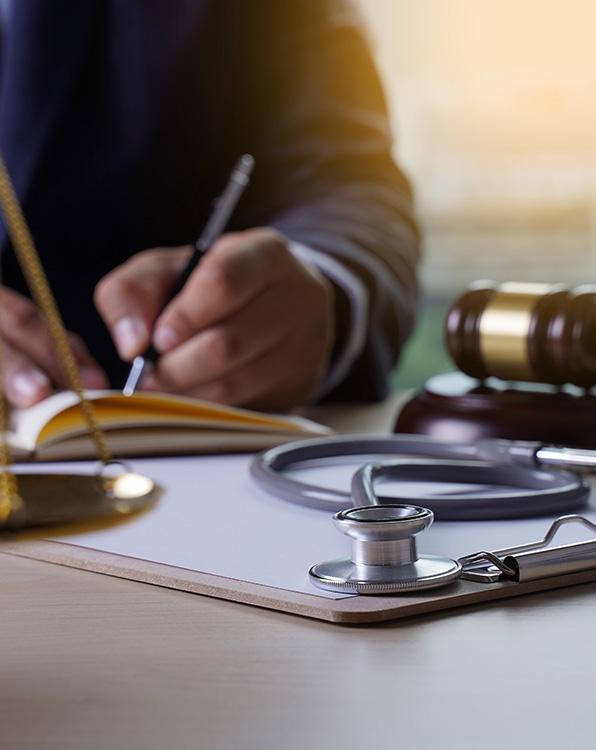 Dr. Riess Rechtsanwälte - Ärztehaftung