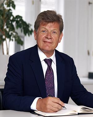 RA Dr. Leopold Riess